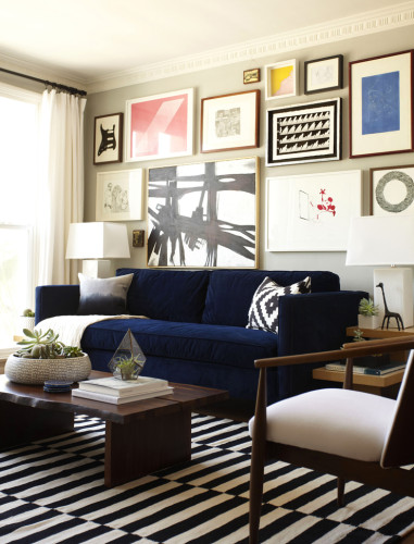 gallery-wall-in-living-room-381x500